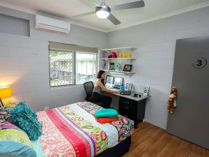 Cairns Student Lodge - St Kilda Accommodation