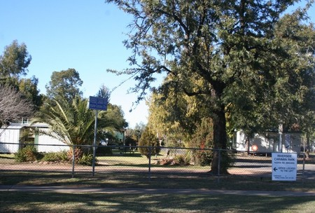 Bingara Caravan Park - St Kilda Accommodation