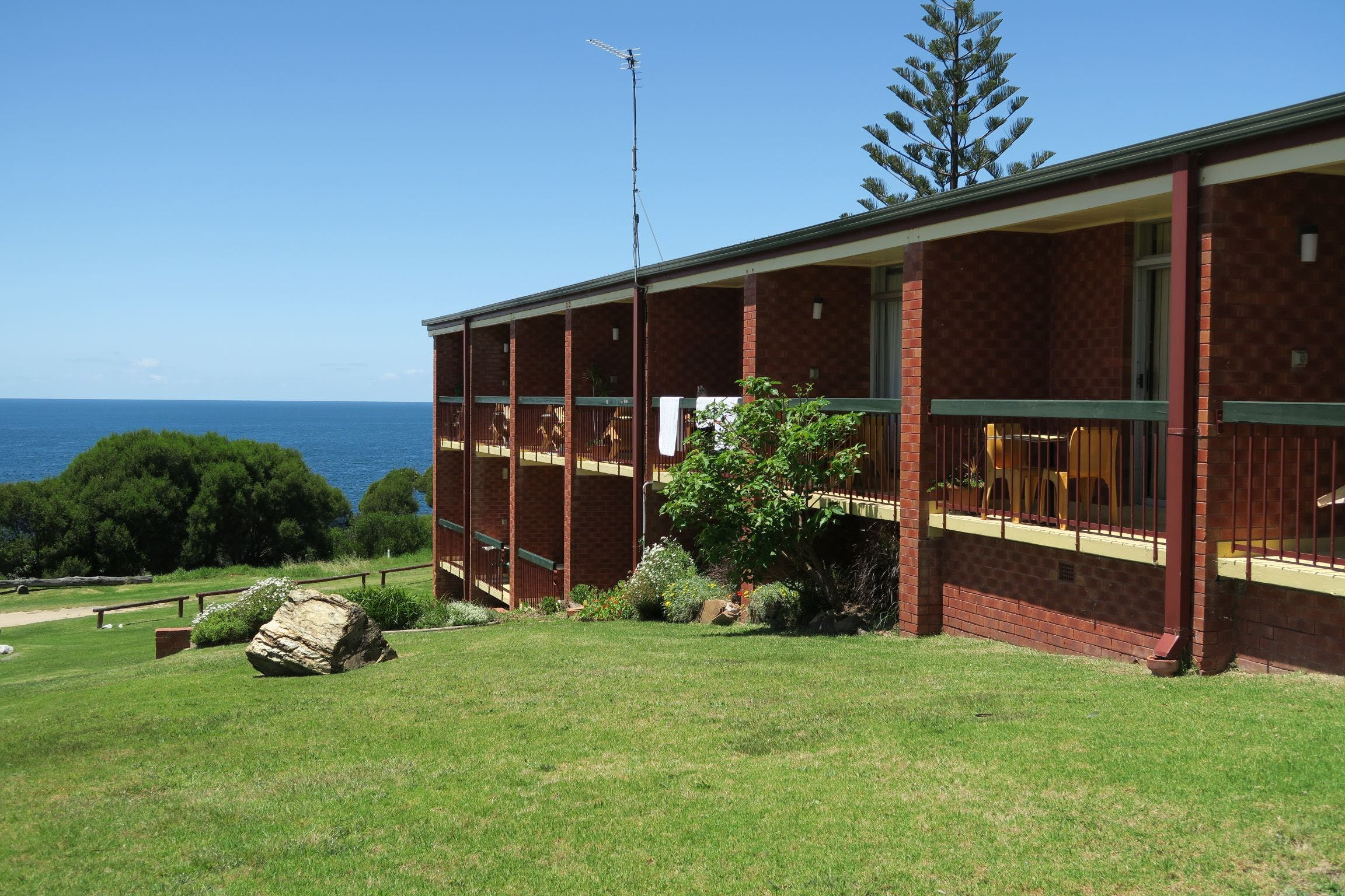 Tathra Hotel - Motel - St Kilda Accommodation
