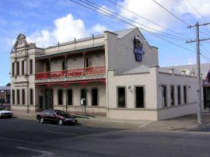 Mitchell River Tavern - St Kilda Accommodation