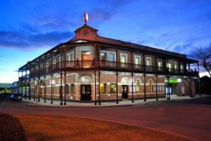 Grand Terminus Hotel - St Kilda Accommodation