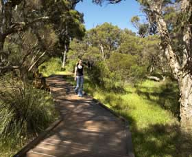 Leschenault Peninsula Conservation Park - St Kilda Accommodation