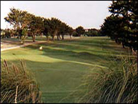South Lakes Golf Club - St Kilda Accommodation