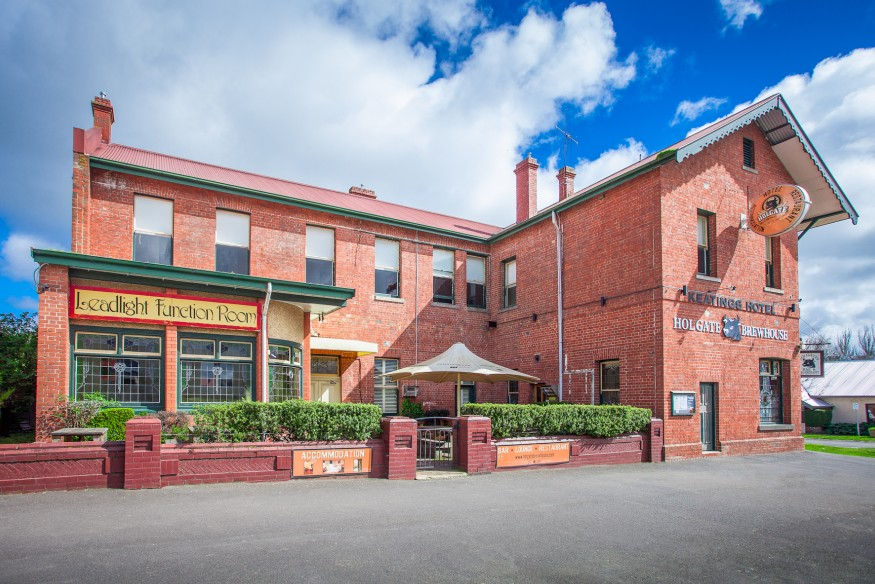 Holgate Brewhouse at Keatings Hotel - St Kilda Accommodation