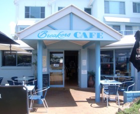 Breakers Cafe and Restaurant - St Kilda Accommodation