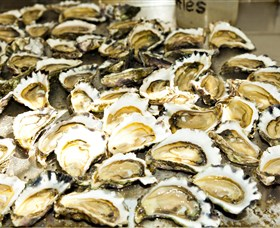 Wheelers Oysters - St Kilda Accommodation