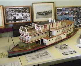 Wentworth Model Paddlesteamer Display - St Kilda Accommodation