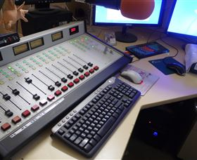Peak Hill FM Community Radio Station - St Kilda Accommodation