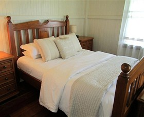 McLennans Lane River Retreat - St Kilda Accommodation