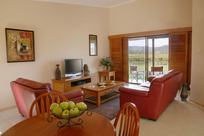 Nightingale Wines Luxury Villas - St Kilda Accommodation