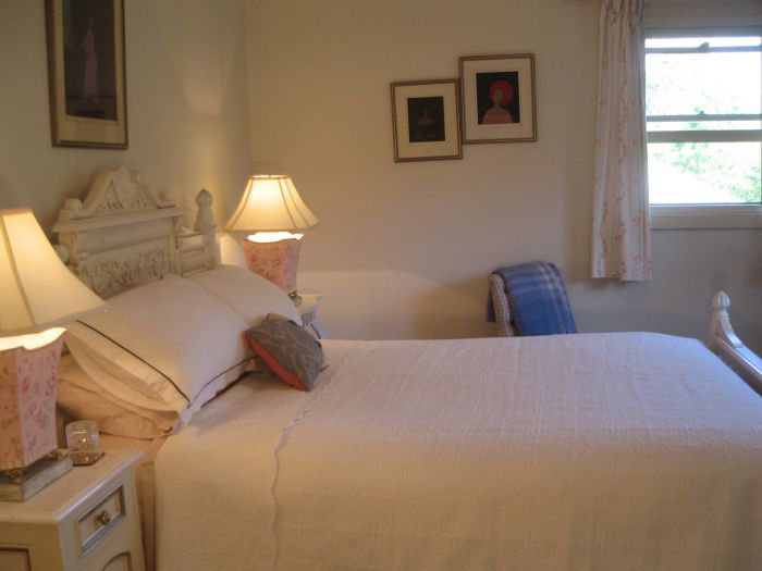Trafalgar Bed and Breakfast and Annie's cottage - St Kilda Accommodation