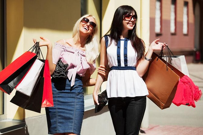 Melbourne Outlet Shopping Tour - St Kilda Accommodation