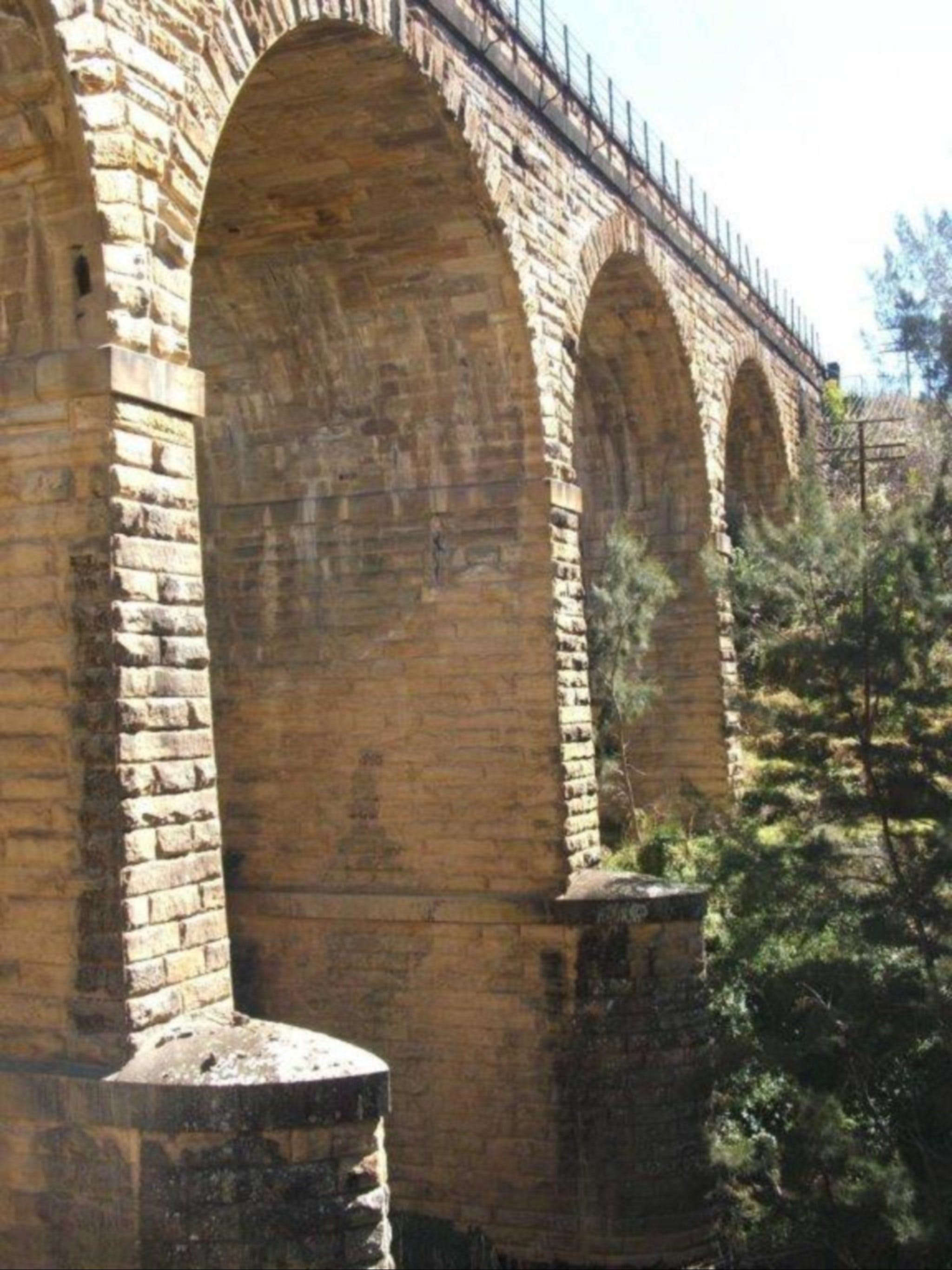 Picton Railway Viaduct - St Kilda Accommodation
