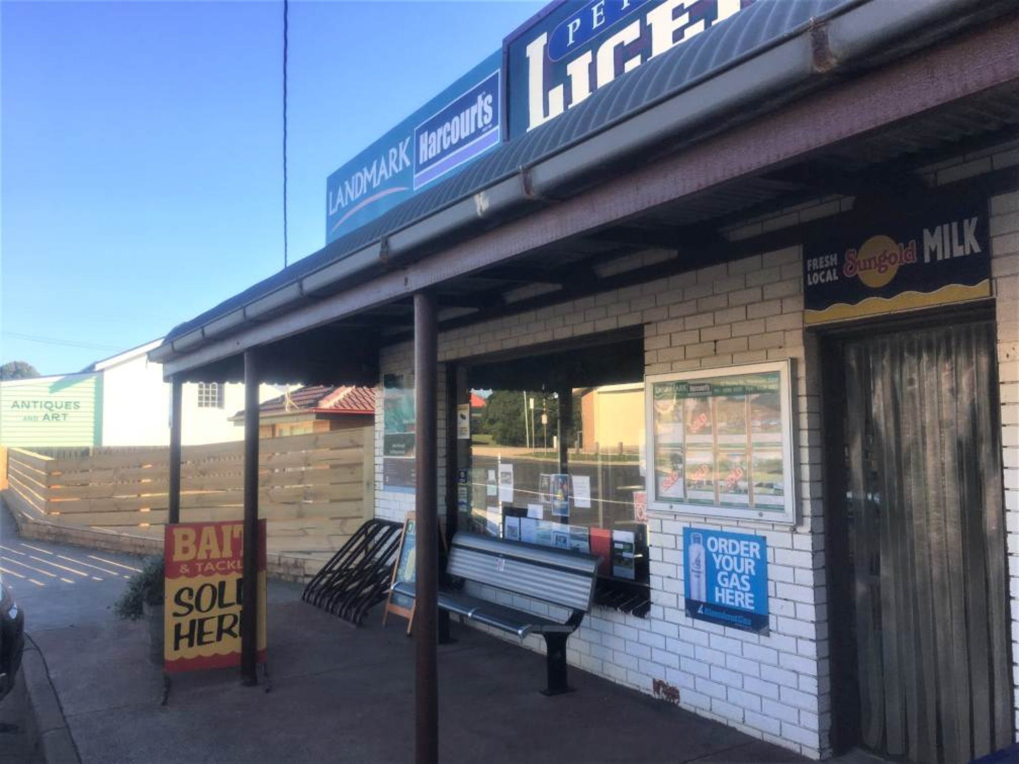 Peterborough Licensed Grocers - St Kilda Accommodation
