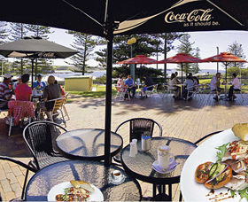 The Beach and Bush Gallery and Cafe - St Kilda Accommodation