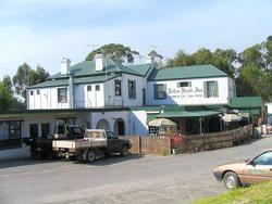 Robin Hood Hotel - St Kilda Accommodation