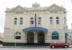 The London Hotel - St Kilda Accommodation