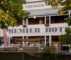 Premier Hotel - St Kilda Accommodation