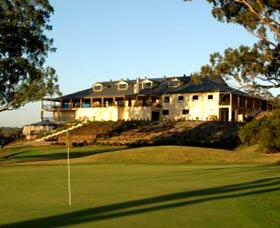 Macarthur Grange Country Club - St Kilda Accommodation