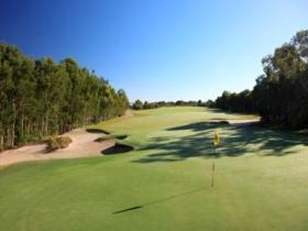 Pelican Waters Golf Club - St Kilda Accommodation