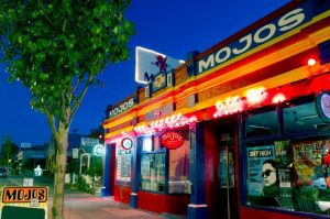 Mojo's Bar - St Kilda Accommodation