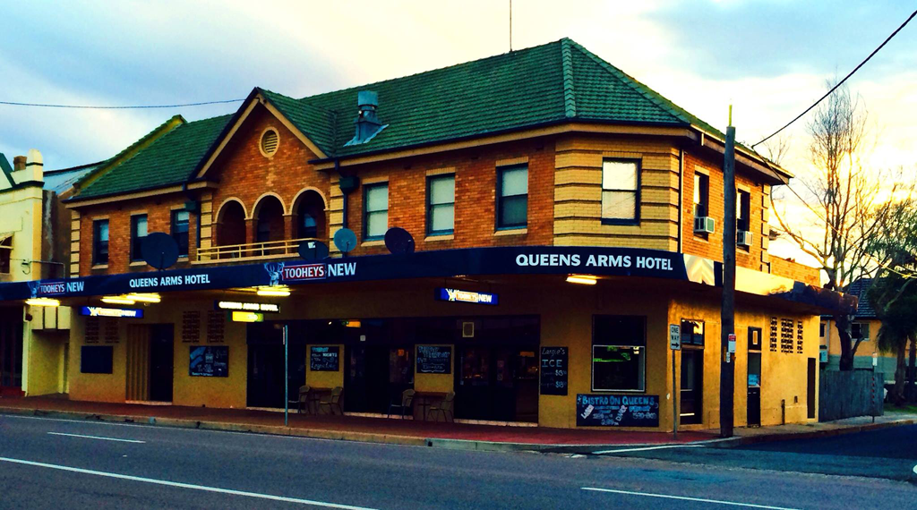 Queens Arms Hotel - St Kilda Accommodation