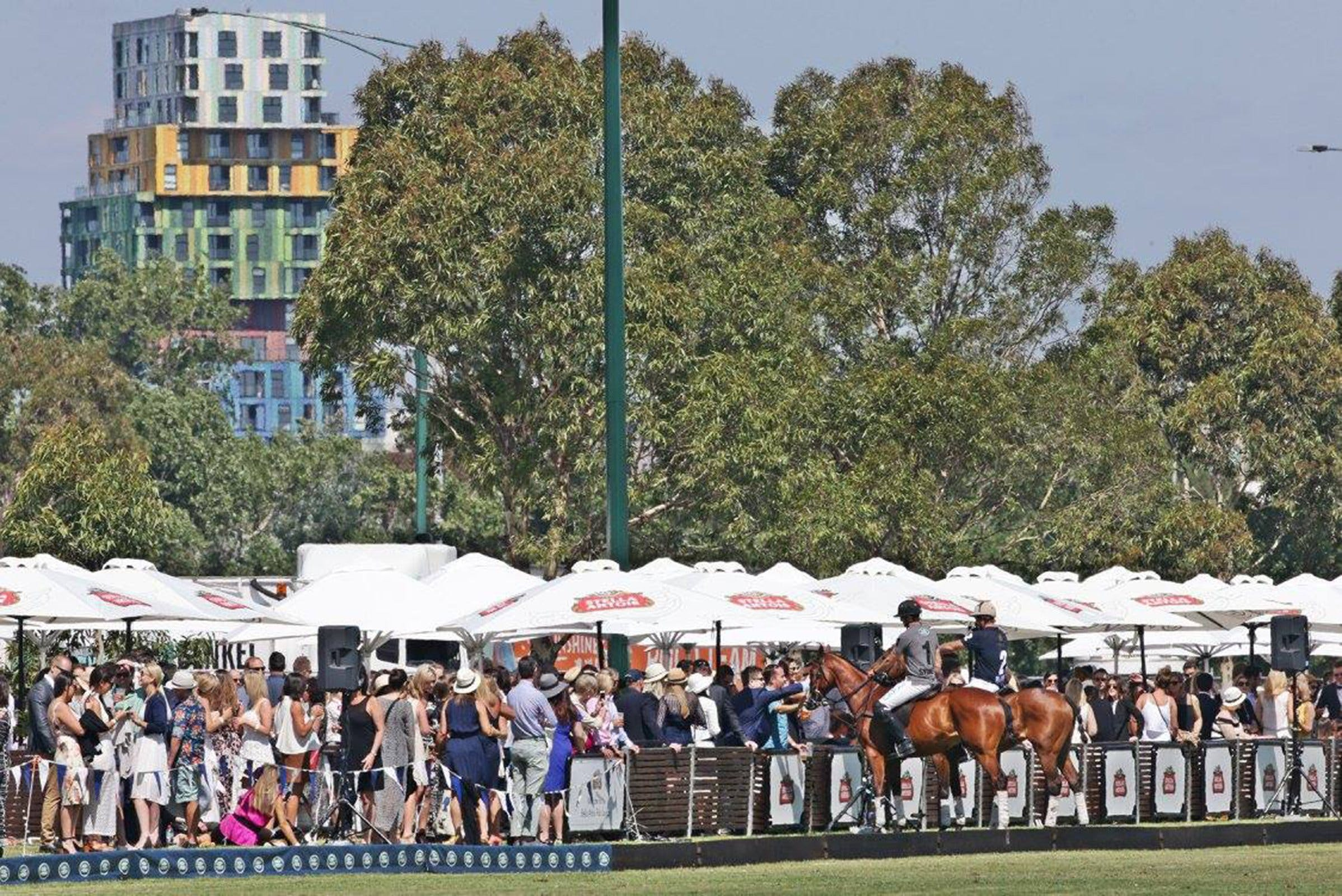 Land Rover Polo in the City - St Kilda Accommodation