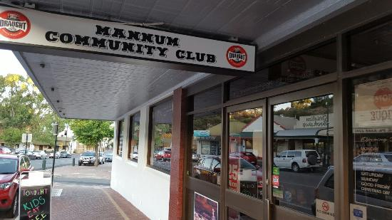 Mannum Community Club - St Kilda Accommodation