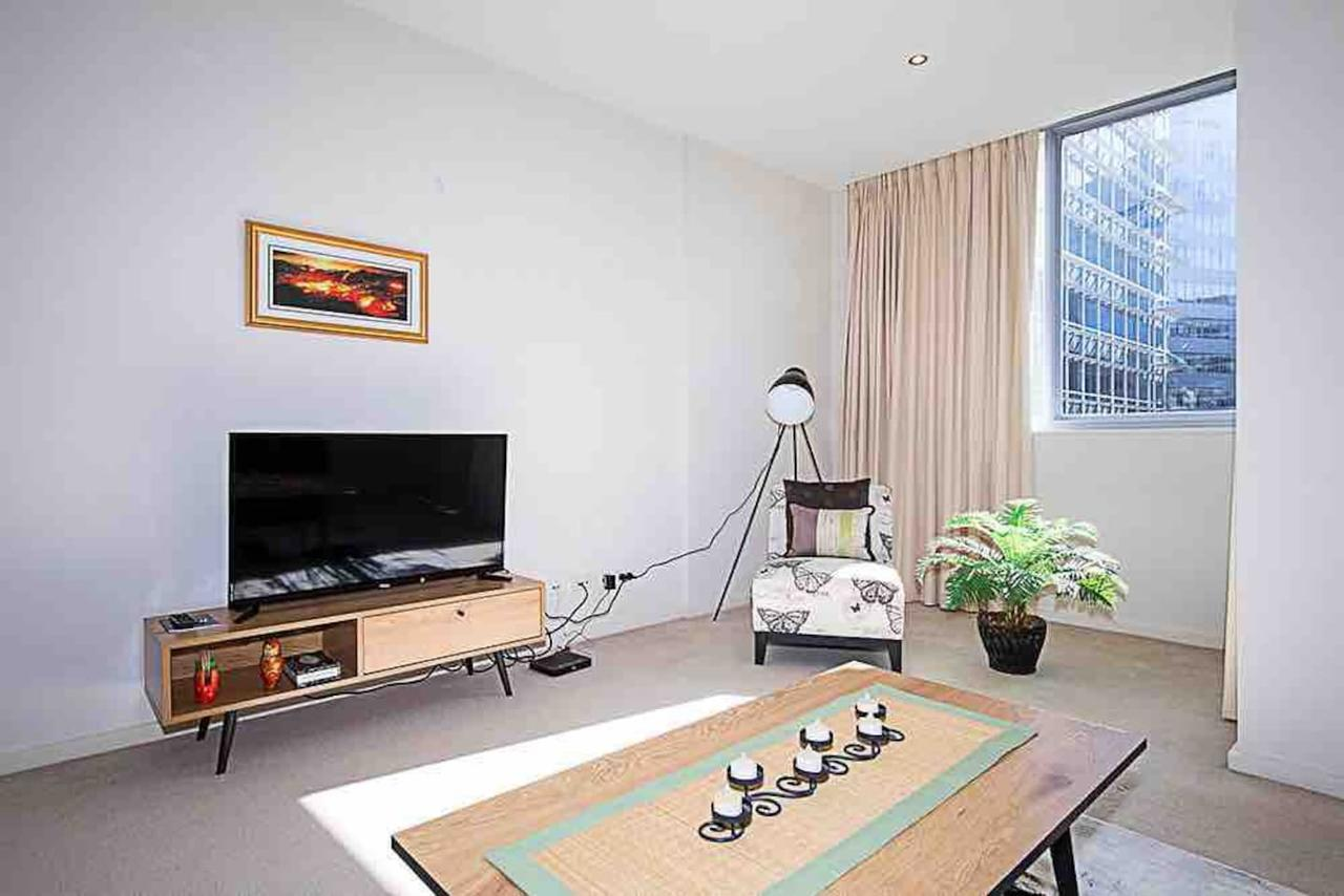 Spacious 1BR Stylish New Acton Apartment Parking - St Kilda Accommodation
