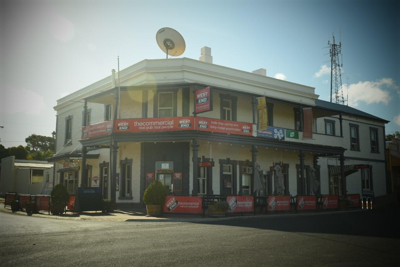 Commercial Hotel Morgan - St Kilda Accommodation