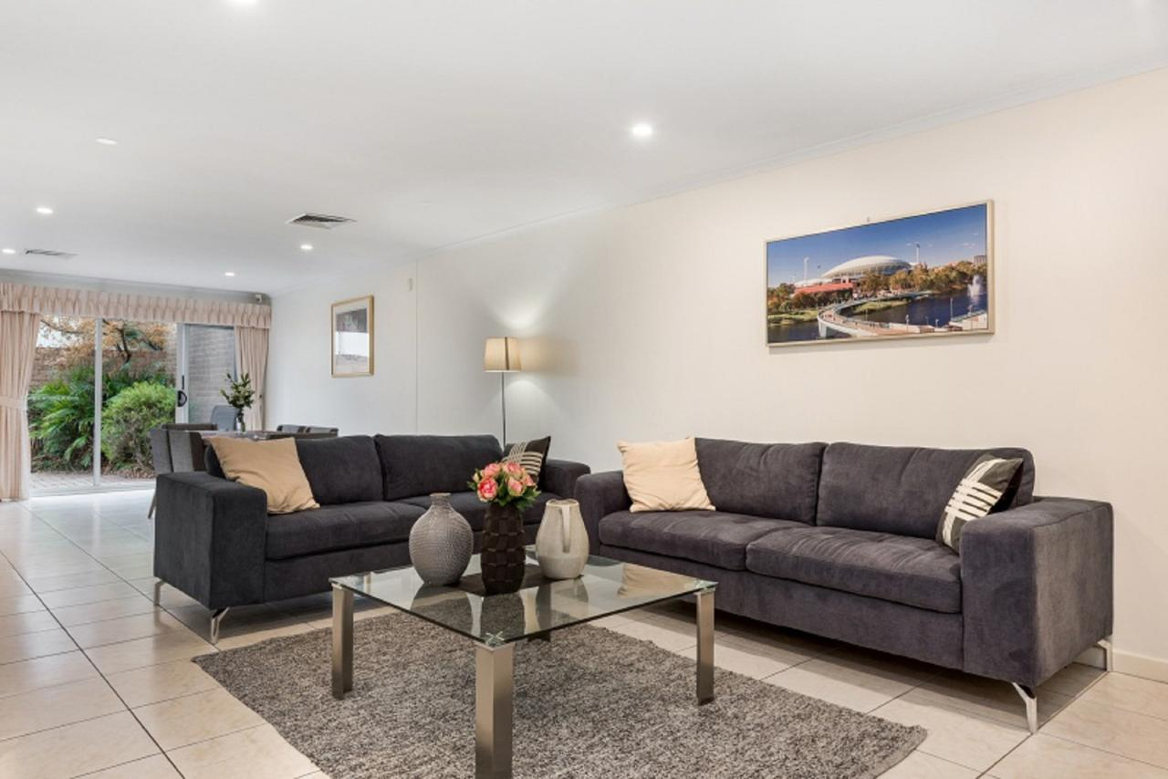 Close to City - Spacious 3 Bedroom Townhouse - St Kilda Accommodation
