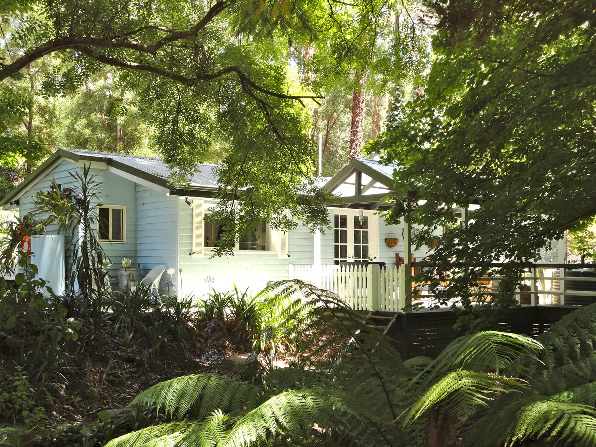 Aldgate Valley Bed and Breakfast - St Kilda Accommodation