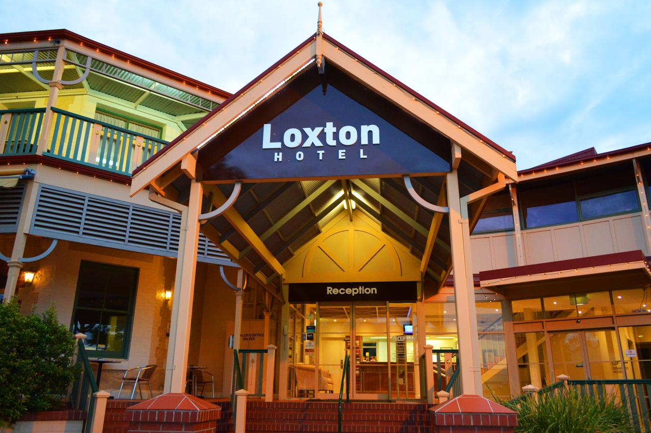 Loxton Community Hotel Motel - St Kilda Accommodation