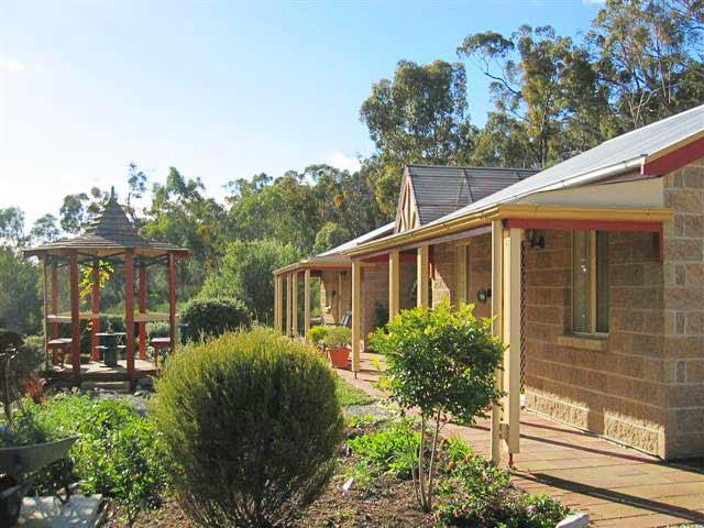 Riesling Trail  Clare Valley Cottages - St Kilda Accommodation