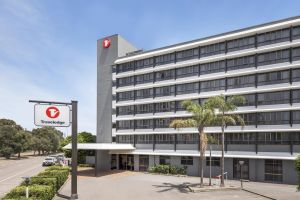 Travelodge Hotel Newcastle - St Kilda Accommodation