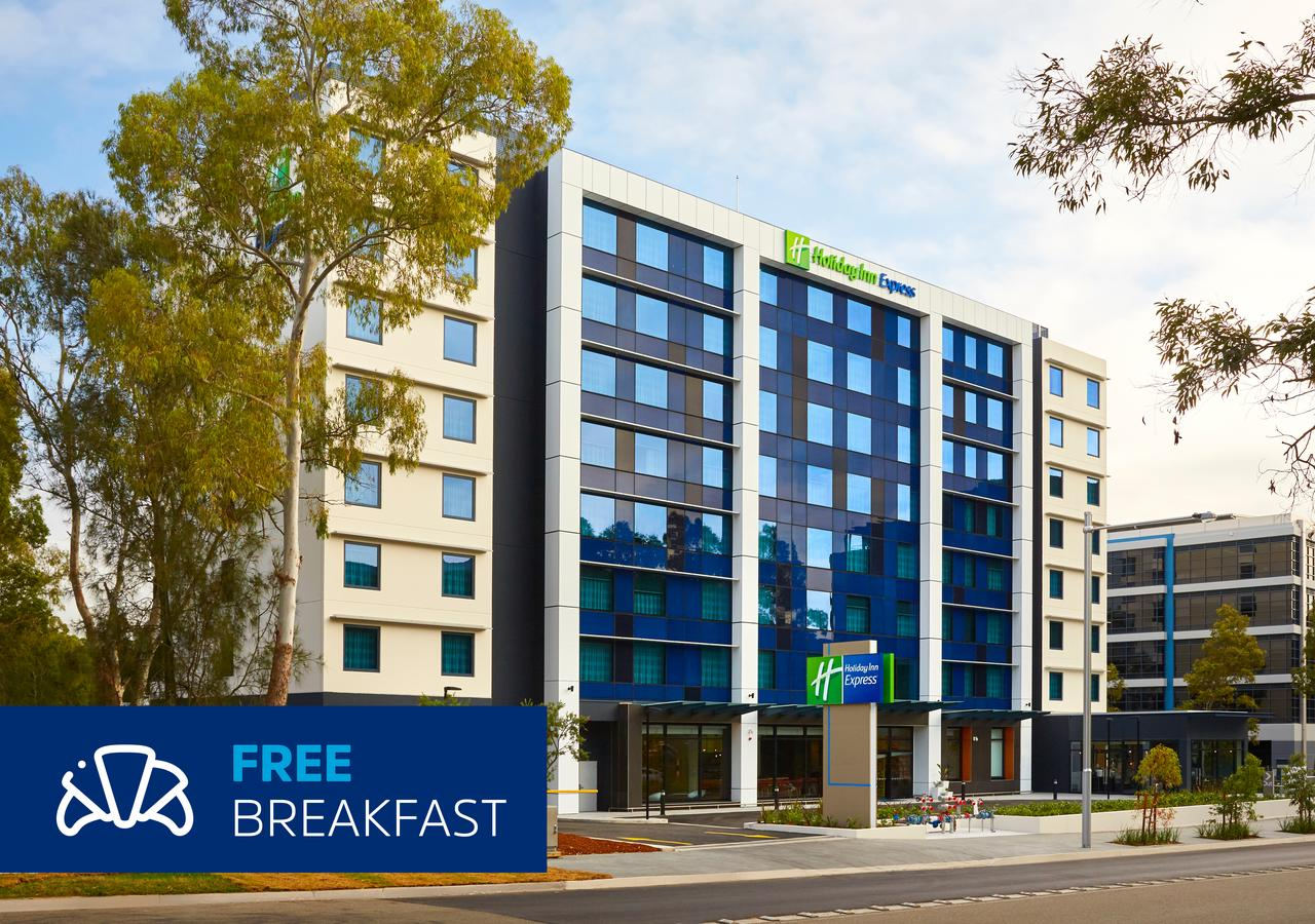 Holiday Inn Express Sydney Macquarie Park - St Kilda Accommodation
