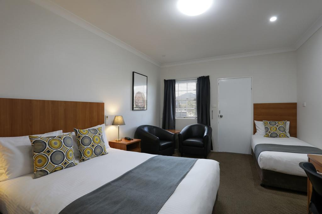 Cadman Motor Inn and Apartments - St Kilda Accommodation
