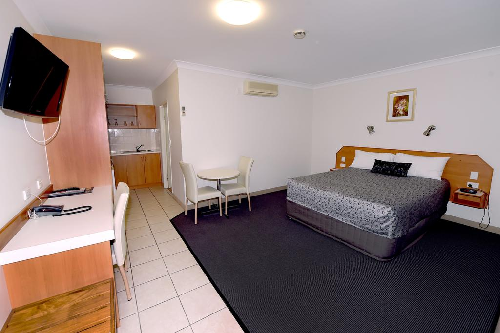 Carriers Arms Hotel Motel - St Kilda Accommodation