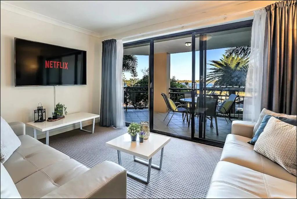 Gold Coast Apartment At Sandcastles On Broadwater - St Kilda Accommodation