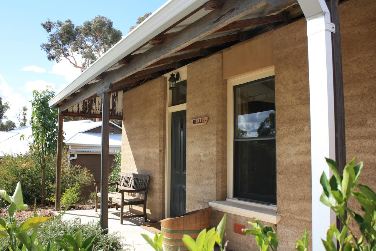 Hotham Ridge Winery and Cottages - St Kilda Accommodation