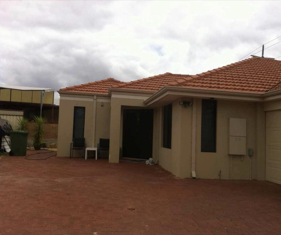 House close to airport - St Kilda Accommodation