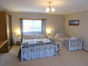 Tamar River Retreat - St Kilda Accommodation
