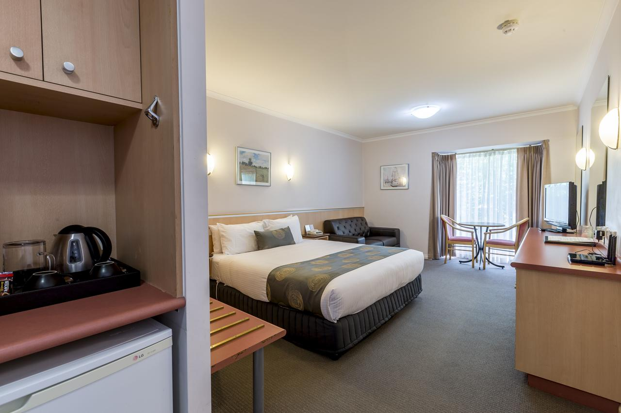 The Waverley International Hotel - St Kilda Accommodation