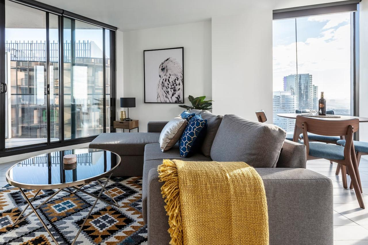 2Bedroom Apartment with Views in Docklands next to CBD  Marvel Stadium - St Kilda Accommodation
