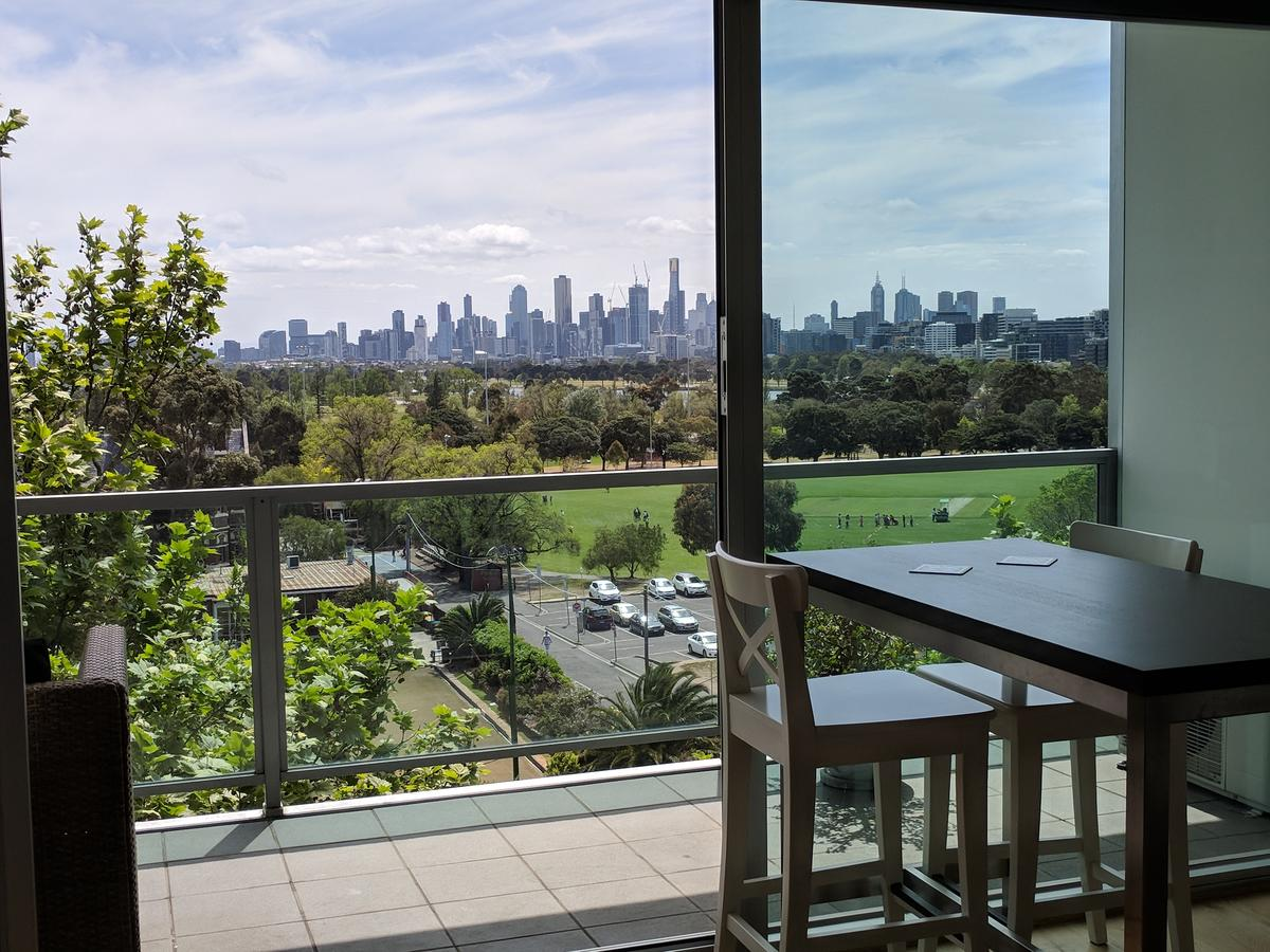 Best View St Kilda 1 BR - Spectacular Sunset Hideaway - St Kilda Accommodation