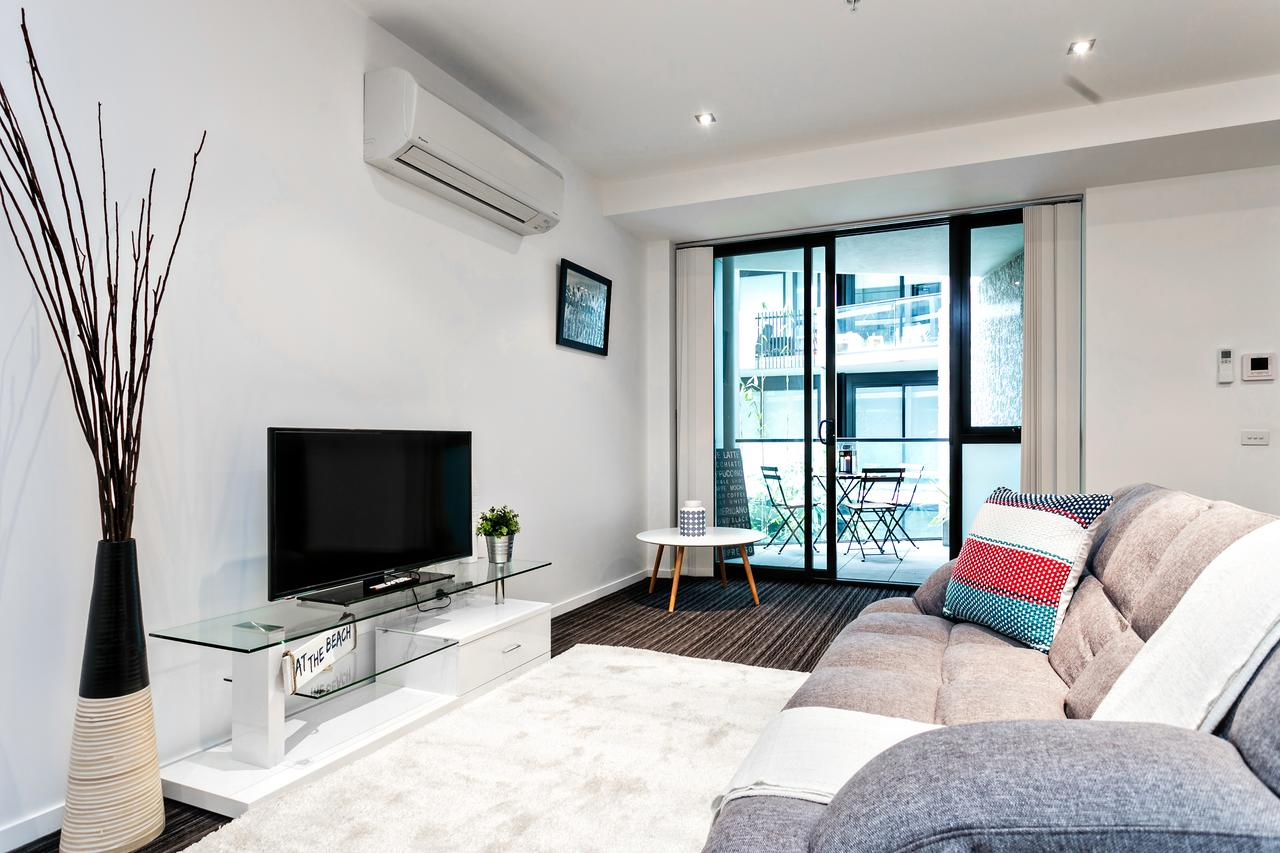 COMPLETE HOST Fitzroy St Apartments - St Kilda Accommodation