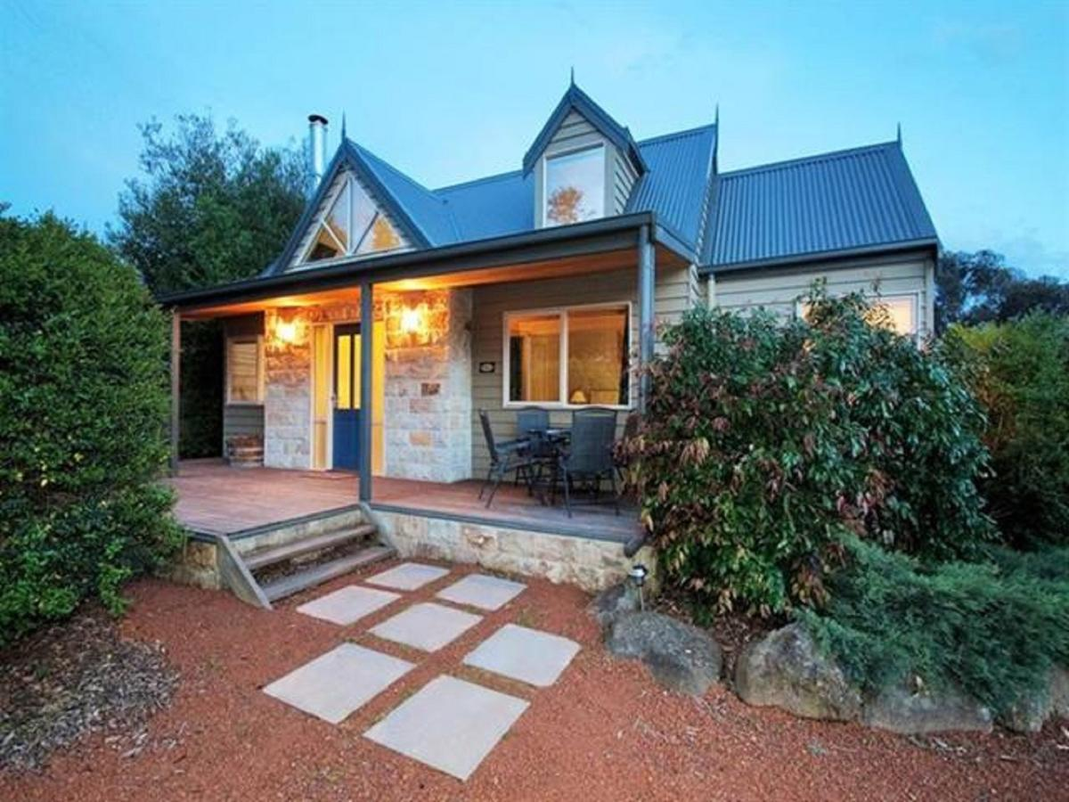 Two Truffles Cottages - St Kilda Accommodation