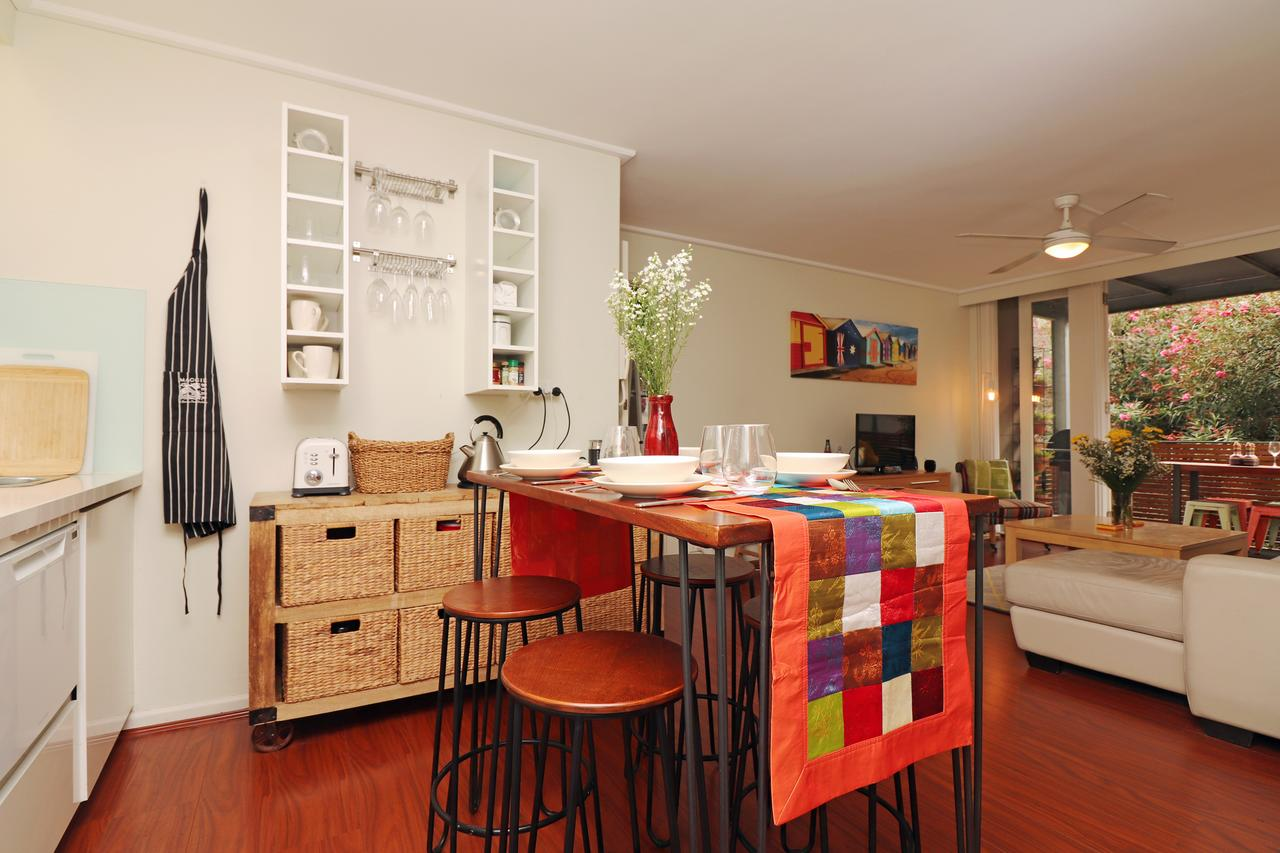Colour Pop Fitzroy - 3 bedroom pet friendly - St Kilda Accommodation