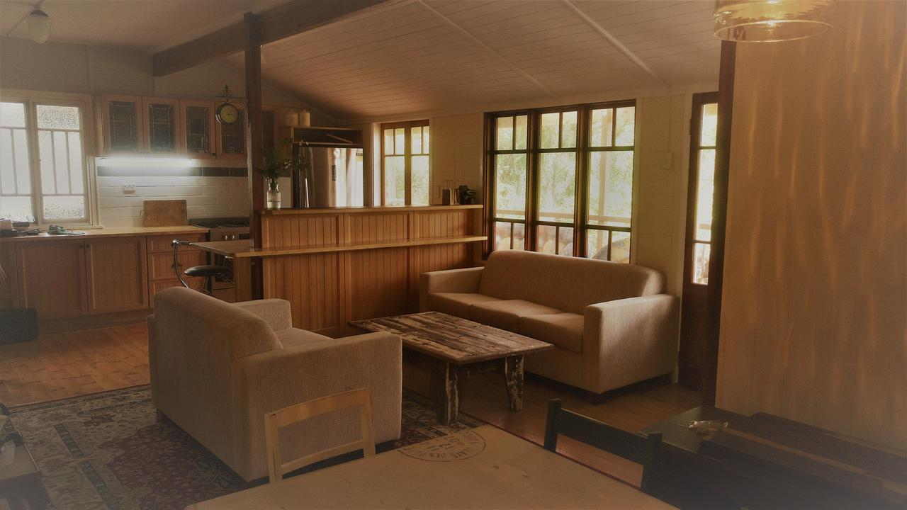 Boonah Cottage - St Kilda Accommodation